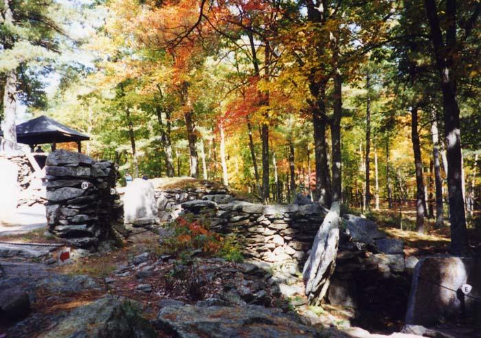 photo: Stan Shebs license: GNU/FDL America`s Stonehenge, Salem, New Hampshire
