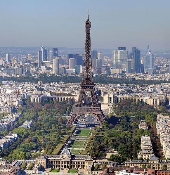 photo: Taxiarchos228 license: GNU/FDL Eiffel Tower and Field of Mars