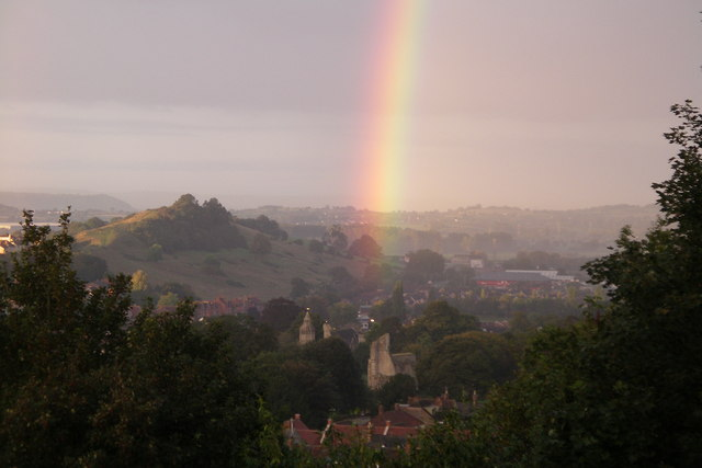 Rainbows End - Glastonbury Abbey View over the Vale of Avalon with Wearyall Hill and Glastonbury Abbey photo: Chris Lee, ccbysa2.0