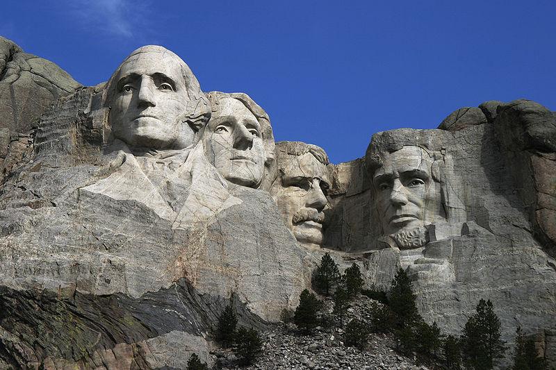 Steinbock und Löwe – Das Mount Rushmore Nationaldenkmal