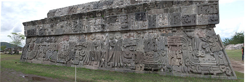 Relief of the Feathered Serpent from the temple of Xochicalco located in earth sign Virgo with air sign Libra photo: Giovani V, GNU/FDL