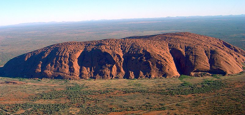 Ayers Rock Uluru_(Helicopter_view)