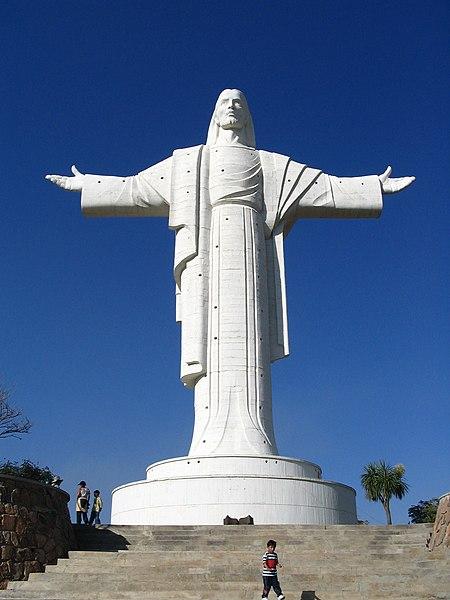 Cristo de la Concordia statue in astrology