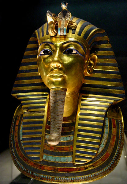 Tuthankamen's famous burial mask, on display in the Egyptian Museum in Cairo. photo: Bjørn Christian Tørrissen, ccbysa3.0