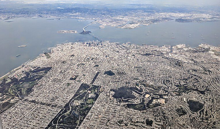 San Francisco and the divide between morphogenetic fields
