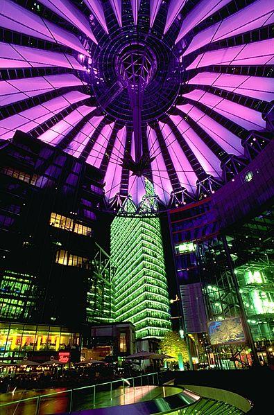 photo: Andreas Tille license: GNU/FDL   Sony Center at night Das Sony Center und die Tradition der Zelte in der Berliner Architekturgeschichte