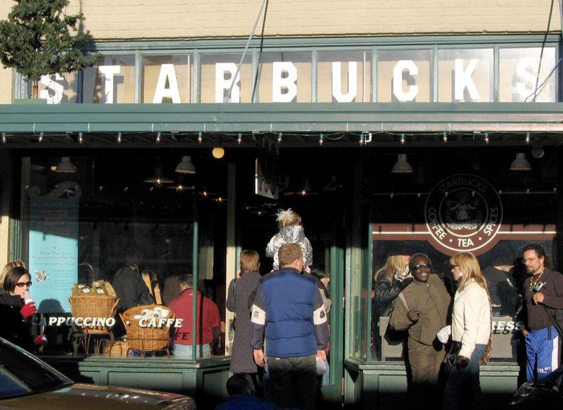 Starbucks Store at 1912 Pike Place Market. Seattle photo: Postdlf from w, ccbysa3.0