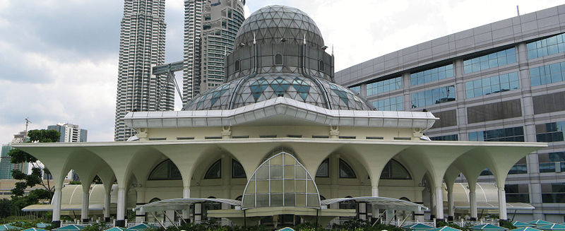 As Syakirin Mosque in Kuala Lumpur located in Cancer photo: Yosri, GNU/FDL