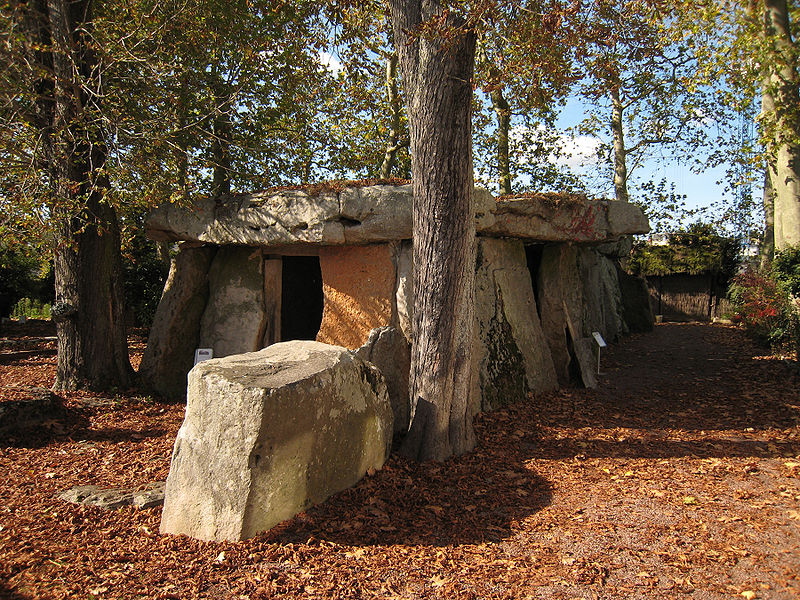 Both coordinates exactly in the same position the midpoint of the Great Dolmen of Bagneux has both coordinates on the divide between Libra and Scorpio. near Saumur Photo: Manfred Heyde License: GNU/FDL