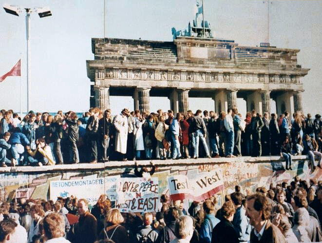 Astrology of Russia: Fall of the Berlin Wall