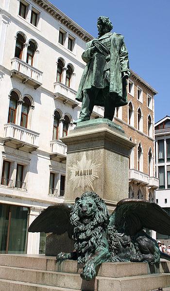 Daniele Manin statue on Piazza Manin in Aquarius with Leo photo: G.dallorto license: ccbysa2.5