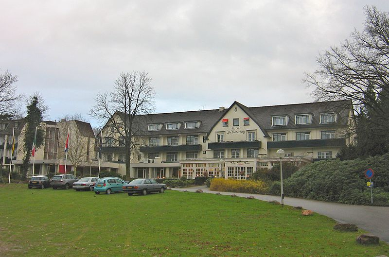Hotel Bilderberg in Oosterbeek, Netherlands is located in the extremely profitable constellation of earth sign Taurus with fire sign Sagittarius    photo:M.M.Minderhoud, GNU/FDL
