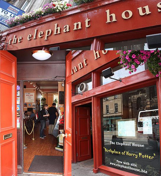 Elephant House on George IV Bridge, Edinburgh, Scotland, birthplace of Harry Potter where J.K. Rowling wrote Harry Potter. Photo: Nicolai Schäfer,ccbysa3.0