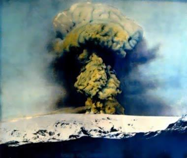 Katla volcano erupting through Mýrdalsjökull ice cap in 1918