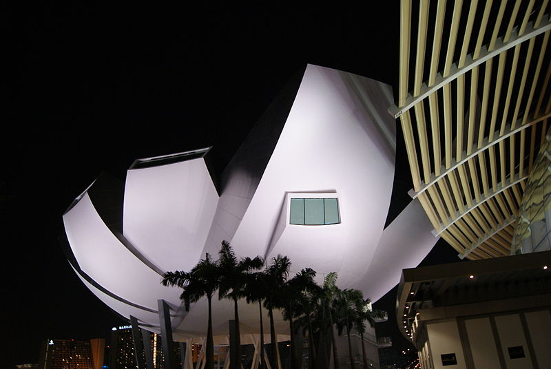 ArtScience Museum of Marina Bay Sands, Singapore located in Cancer with Capricorn photo: Jacklee, ccbysa3.0