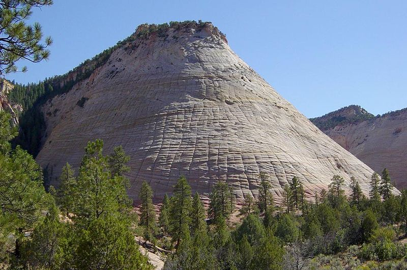 Checkerboard Mesa is a great example for the fortresslike shape of a rock in Scorpio photo: Daniel Mayer, ccbysa3.0