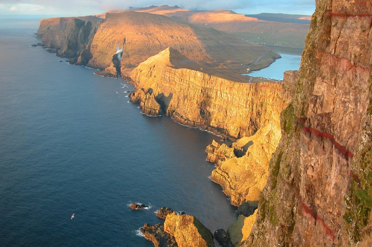 Die Färöer Inseln und die Konfrontation von Wassermann und Skorpion photo: Bruger:Erik Christensen, GNU/FDL