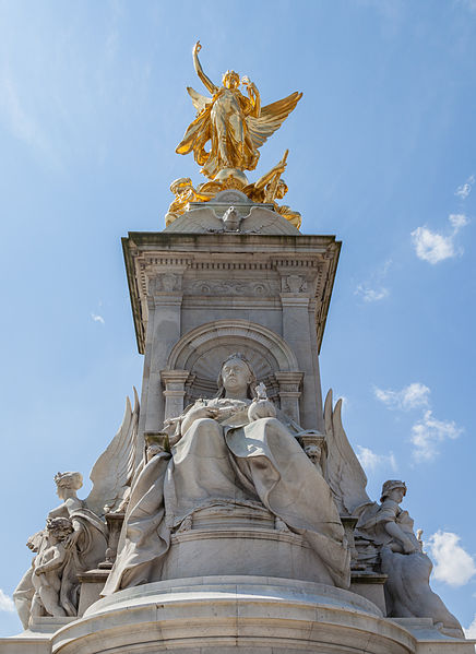 Queen Victoria Memorial has both astrogeographic coordinates in Pisces photo: Diego Delso, LicenseCC-BY-SA 3.0