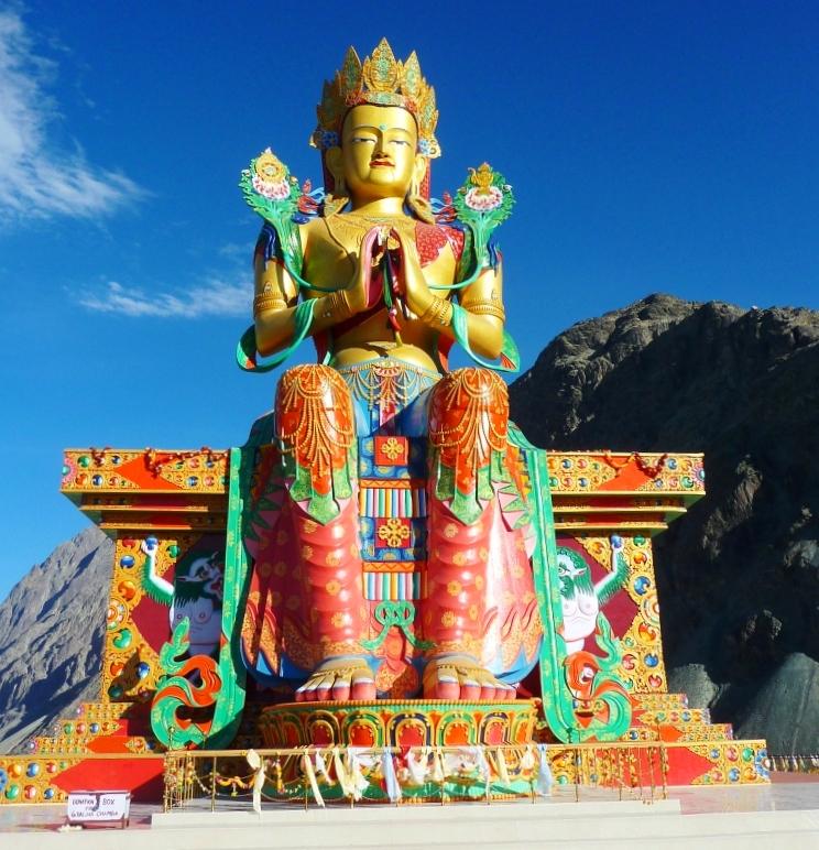 Monumanteal 32 m tall Maitreya Buddha Statue with both coordinates in Scorpio photo: John Hill, ccbysa3.0
