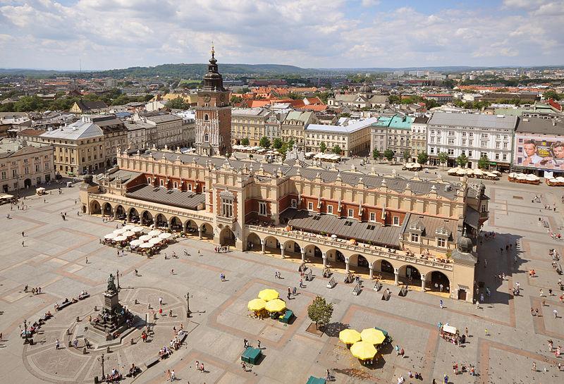Der Hauptmarkt und die Tuchhallen von Krakau