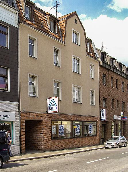 Ort des ersten Albrecht Lebensmittelgeschäftes in der Huestrasse 89 in Essen photo: USt , GNU/FDL