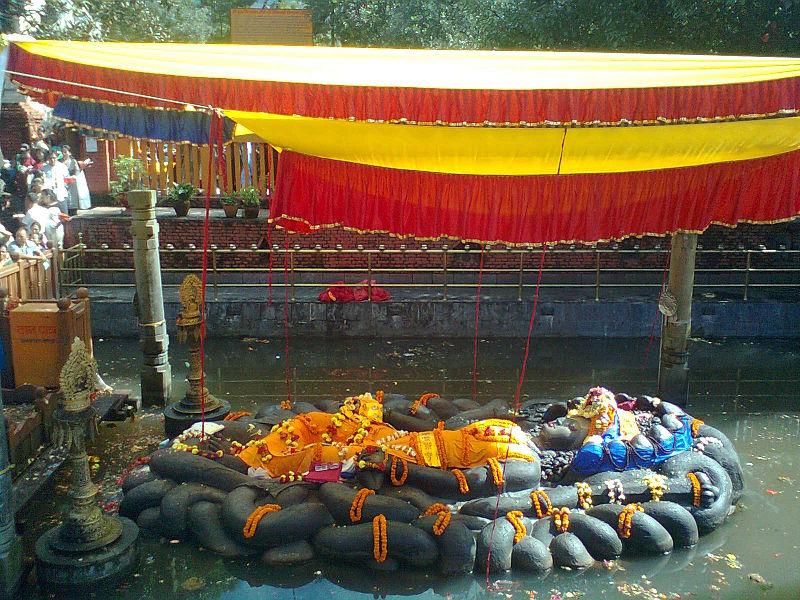 Budhanilkantha open air shrine - Vishnu floating in a water tank photo: जनक राज भट्ट, ccbysa3.0