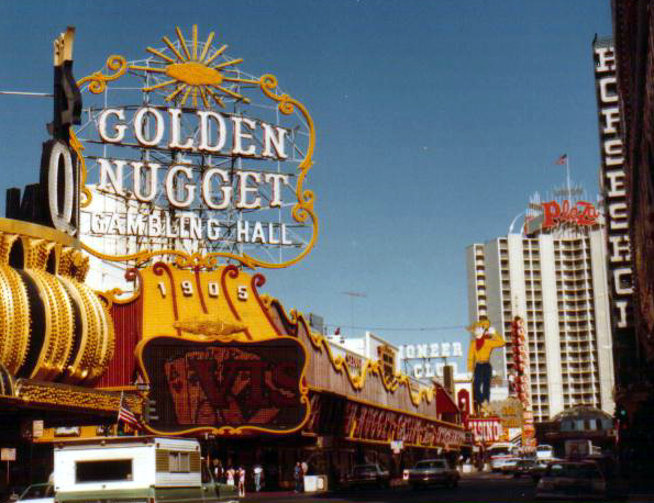 Golden Nugget Las Vegas photo: Larry D. Moore, ccbysa3.0