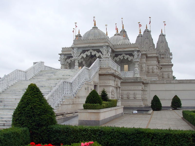 SwaminarayanTemple, Neasden, London located between Gemini and Aries and in Sagittarius