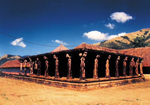 Titunelli Mahavishnu Temple in Leo with Capricorn