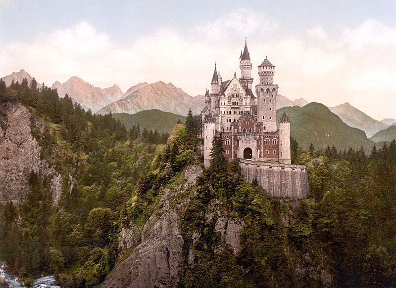 Astrology, Architecture & Castles: Neuschwanstein in Leo and between Taurus and Gemini