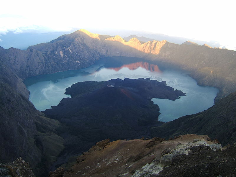 The Lombok earthquakes of 2018 and a possible eruption of Mount Rinjani