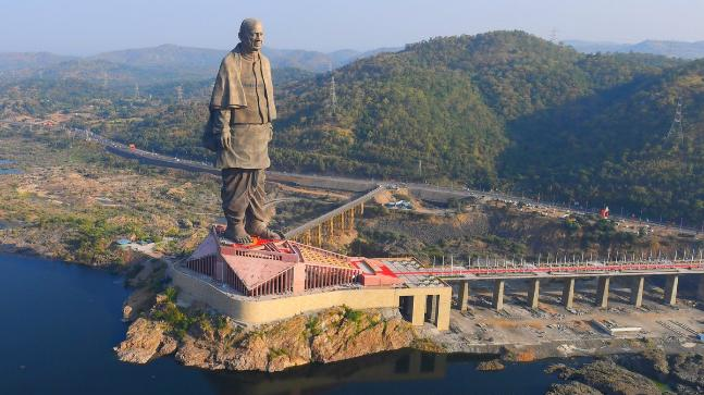 "The tallest statue worldwide: the ""Statue of Indian Unity"""