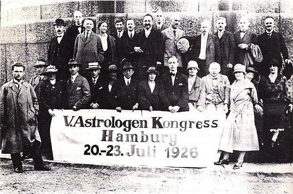 Verbot und Verhaftung der Astrologen in Nazi-Deutschland