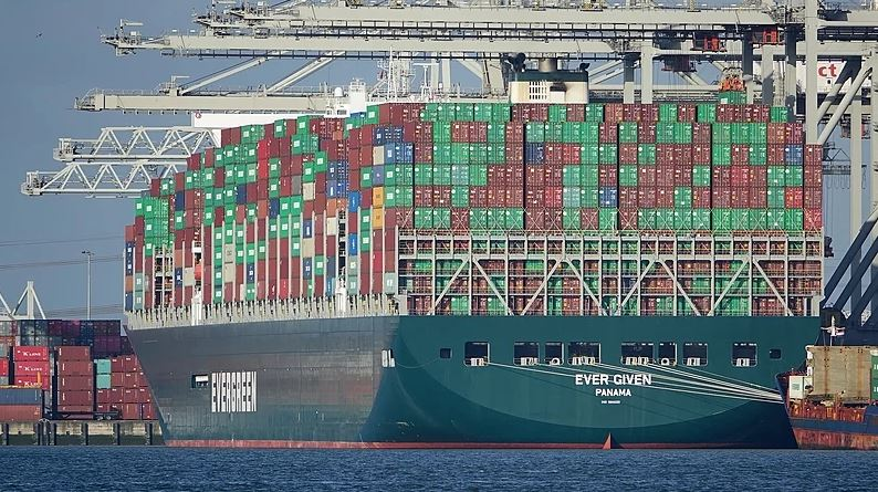 Das Containerschiff Ever Given und Astrologie des Suezkanals
