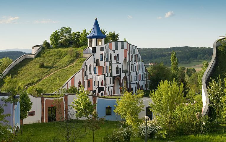 The Hundertwasser architecture in astrology